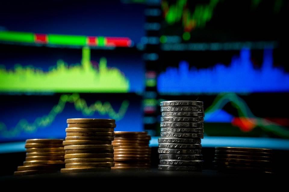 Governo anuncia medida que facilita negociar dívidas; bancos estendem prazo